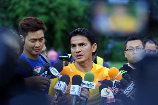 Kiatisuk và GĐKT Thái Lan lo lắng 'Voi chiến' không thành công dưới thời HLV Akira Nishino
