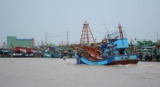 Bến Tre: 'Bẻ kèo' với chủ tàu cá, 3 thanh niên bị giam lỏng