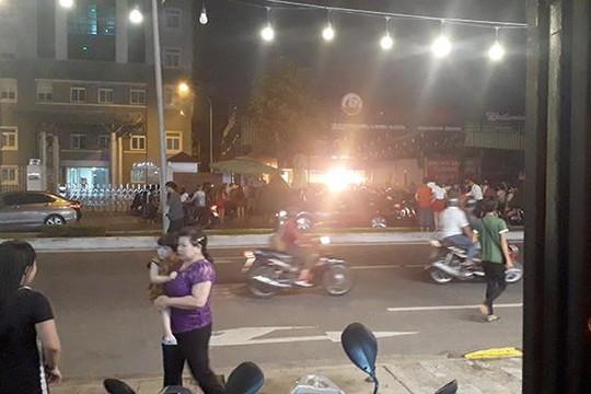 Đà Nẵng: Quán nhậu cháy lớn, cứu hỏa lao mình đưa 7 'bom' gas ra ngoài