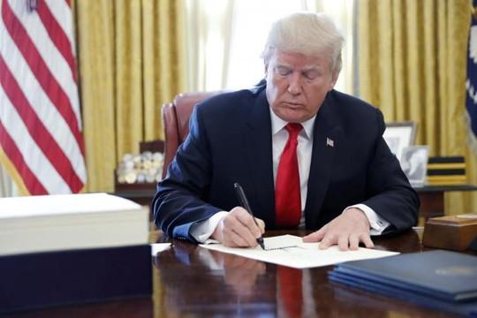Tổng thống Trump ban hành sắc lệnh phong tỏa tài sản của chính phủ Venezuela