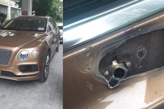 Siêu xe Bentley Bentayga hơn 20 tỉ mất gương chiếu hậu vì bị trộm hay tai nạn?