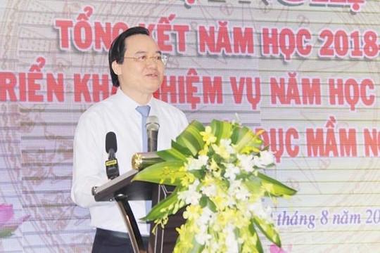 Bộ trưởng Phùng Xuân Nhạ chia buồn với gia đình học sinh lớp 1 bị tử vong