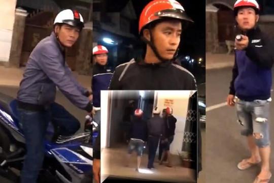 Clip 3 gã tự xưng cảnh sát chặn xe đánh người, bỏ chạy khi dân dọa báo công an