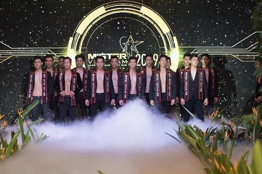 Mister Vietnam chấp nhận hình ảnh nhạy cảm của thí sinh 'ở mức cho phép'