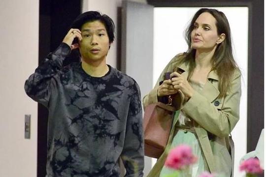 Angelina Jolie dẫn Pax Thiên đi ăn tối sau khi đưa Maddox nhập học ở Hàn Quốc