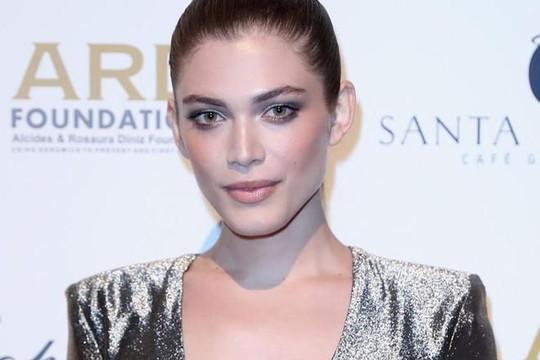 Người mẫu chuyển giới Valentina Sampaio: Canh bạc mới của Victoria's Secret