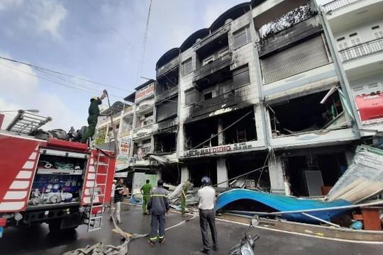 Cà Mau: Năm người bị thương trong vụ cháy lớn ở tiệm quần áo