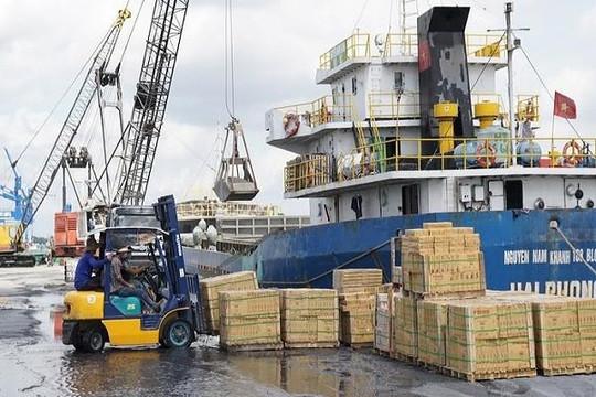Việt Nam xuất siêu hơn 3,4 tỉ USD