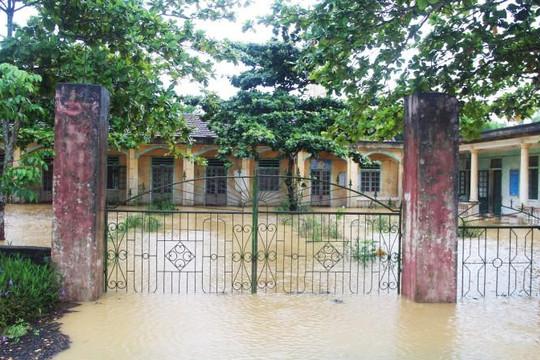 3 huyện miền núi Hà Tĩnh hoãn khai giảng năm học mới vì mưa lũ