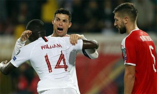 Ronaldo mừng vì Bồ Đào Nha đã biết thắng, Pháp vùi dập Albania