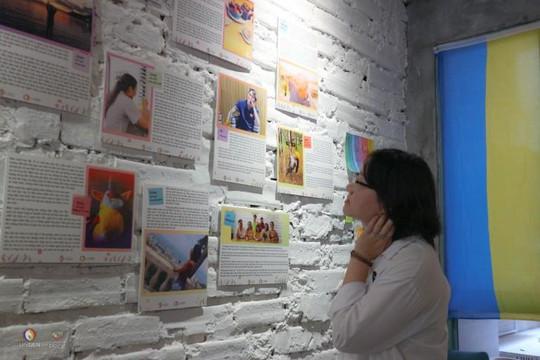 'Sau cánh cửa' – Triển lãm ảnh khắc họa chân dung của những nhóm thiểu số tính dục trong xã hội