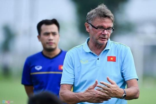 HLV Philippe Troussier củng cố lực lượng, chuẩn bị cho Vòng loại U.19 châu Á 2020