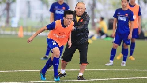 Vì sao Văn Quyết chơi hay, Minh Vương dẫn đầu Vua phá lưới nội vẫn không được lên tuyển?