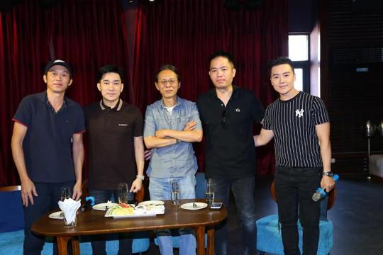 Hoài Linh khâm phục Quang Hà sau sự cố cháy phải dời show đầu tư hơn 8 tỉ