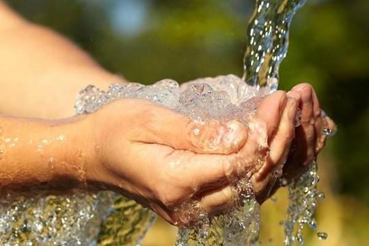 Hà Nội: Người dân nhiều quận lo lắng vì nước sinh hoạt có mùi lạ