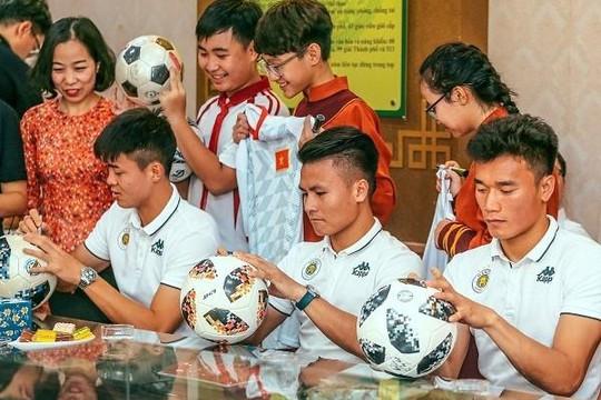 Phạm Thành Lương: Người hâm mộ là động lực lớn nhất giúp cầu thủ vượt qua khó khăn