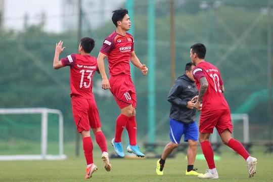 HLV Park Hang-seo gọi quân cho trận UAE và Thái Lan, Công Phượng có mặt