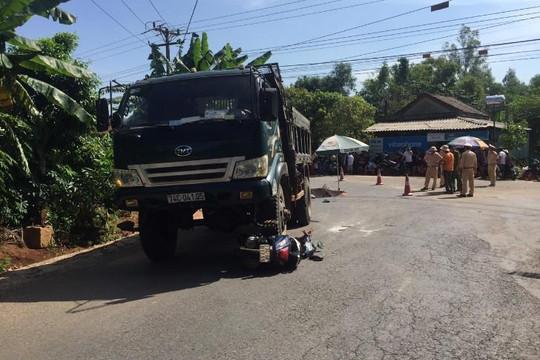 Một nữ sinh cấp 3 bị xe tải cuốn chết trên đường đi học