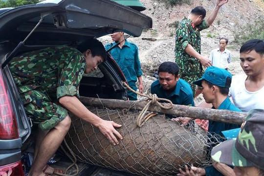 Nghệ An: Phát hiện quả bom 'khủng' dưới sông Nậm Mộ