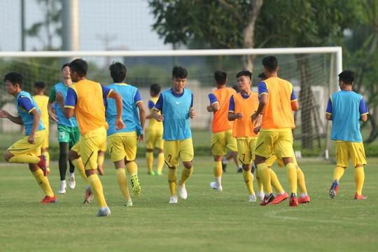 Thầy trò HLV Troussier di chuyển vào Tây Ninh chuẩn bị vòng loại châu Á 2020