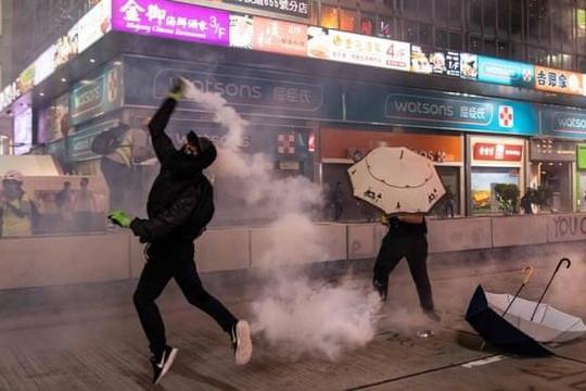 Hồng Kông rơi vào suy thoái kinh tế 'toàn diện' vì biểu tình