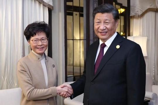 Ông Tập tin tưởng 'cao độ' với đặc khu trưởng Hồng Kông Carrie Lam