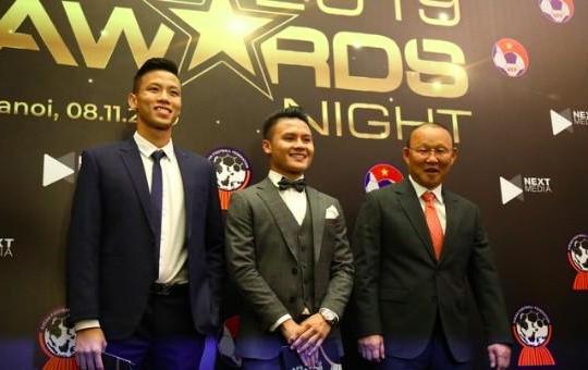 Tuyển Việt Nam thắng lớn tại AFF Awards 2019, đội nữ thất bại hoàn toàn trước Thái Lan