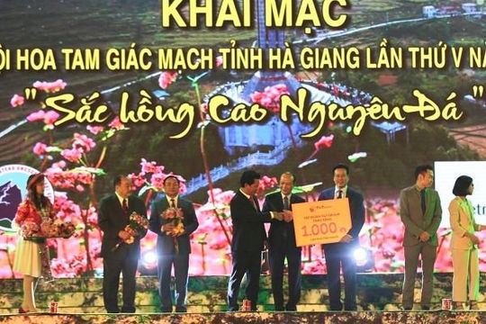 Tập đoàn T&T Group trao tặng tỉnh Hà Giang 1.000 căn nhà tình nghĩa