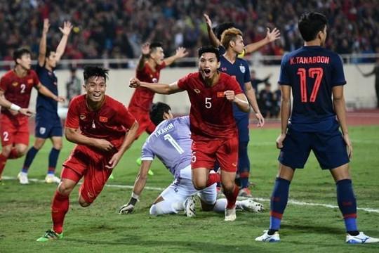 Việt Nam giữ vững ngôi đầu bảng G, Thái Lan bị Malaysia vượt mặt