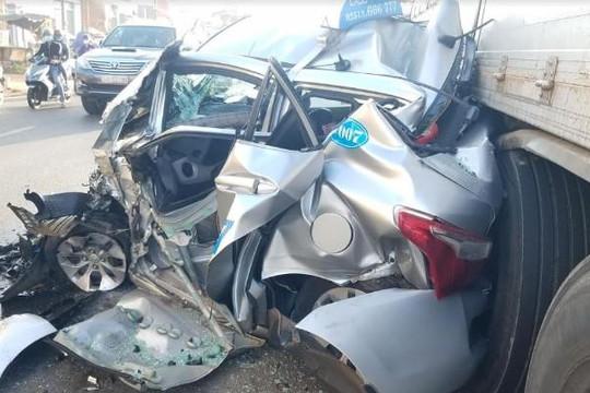 Thoát chết khó tin trong tai nạn liên hoàn tại khu vực cầu vượt Dầu Giây