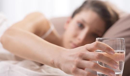 Những tác hại khi nhịn đói đi ngủ