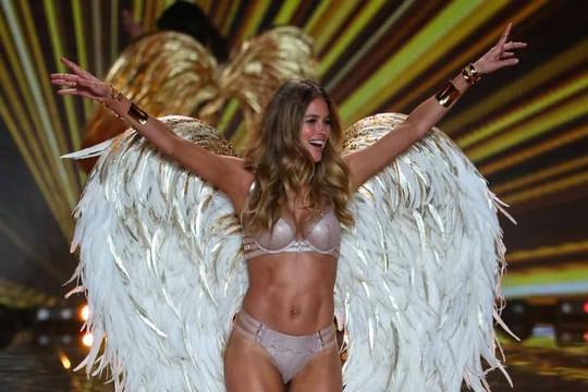 13 khoảnh khắc đáng nhớ nhất của Victoria's Secret Fashion Show
