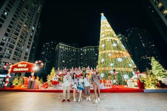 'Hòa nhịp đón Giáng sinh - Lung linh mùa lễ hội' tại 73 Trung tâm Thương mại Vincom
