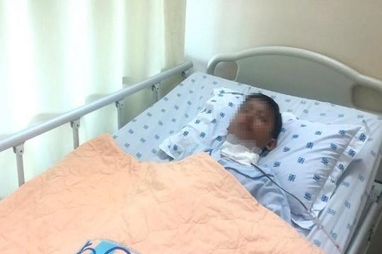 Bỏ trị ung thư, người cha nghèo quyết đi làm kiếm tiền chữa ung thư cho con