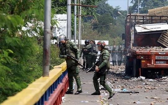 Venezuela bắt giữ 11 người liên quan đến vụ tấn công cơ sở quân sự