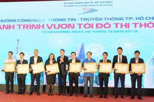 TPHCM trao 23 giải thưởng công nghệ thông tin - truyền thông năm 2019