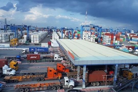 TP.HCM: Khoảng 2.900 container và 8.700 kiện hàng đang tồn ở các cảng