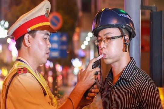 Thủ tướng yêu cầu không được can thiệp khi xử lý lái xe có uống rượu, bia