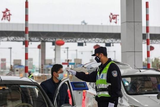 Trung Quốc phong tỏa thêm nhiều thành phố nhằm ngăn chặn 'virus Vũ Hán'