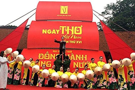 Tạm dừng tổ chức Ngày thơ và Lễ hội chọi trâu Phú Thọ vì coronavirus