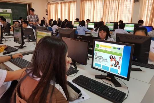 Tránh dịch coronavirus, nhiều phụ huynh lựa chọn cho con học trực tuyến ở nhà