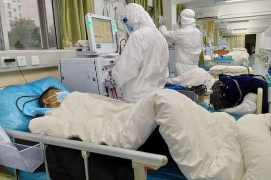 Bệnh nhân coronavirus khạc nhổ vào mặt bác sĩ: 'Tao chết thì chúng mày đừng mong sống'
