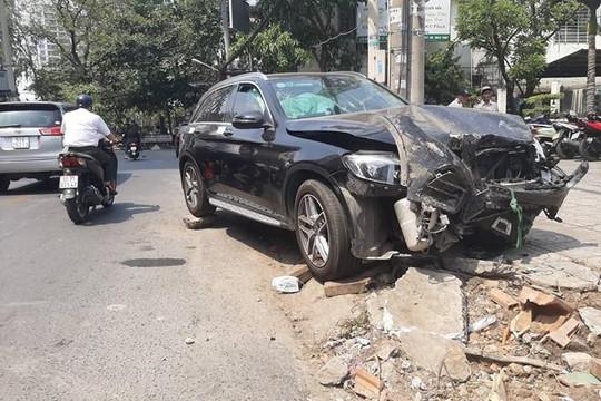 Dựng lại hiện trường vụ lái xe Mercedes tông nữ tiếp viên hàng không