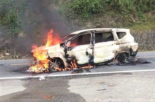 Quảng Nam: Hai người tử vong trong xe ô tô bốc cháy