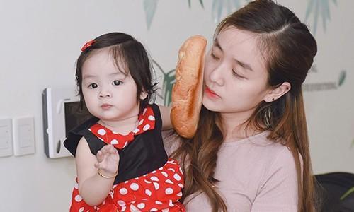 Vợ ca sĩ Hoài Lâm phản ứng với bình luận 'con gái giống mẹ'