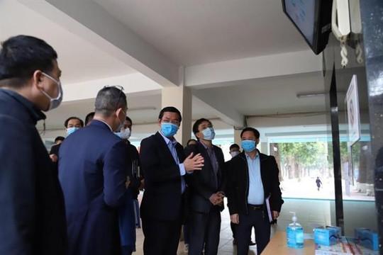 Bộ GD-ĐT kiểm tra công tác phòng, chống coronavirus tại trường ĐH