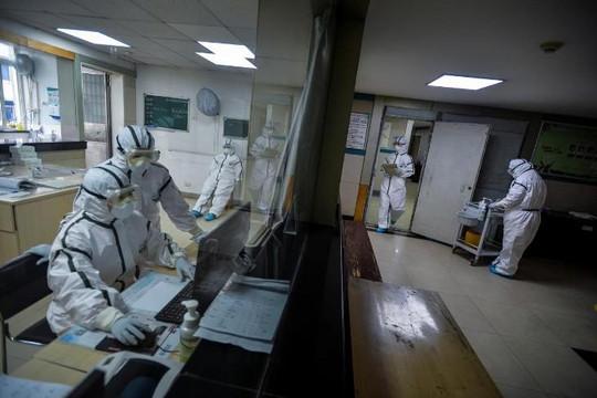 Trung Quốc thừa nhận 1.716 nhân viên y tế bị nhiễm, 6 người chết vì dịch Covid-19