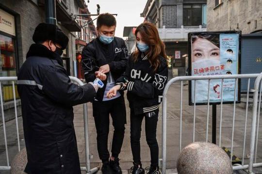 Trung Quốc cho phép dân rời Vũ Hán, tỉnh Vân Nam giảm 2 cấp cảnh báo phòng dịch