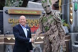 Kinh doanh bết bát vì COVID-19, CEO Walt Disney bay chức
