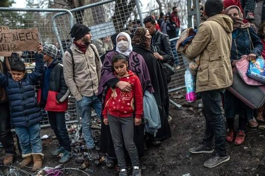 Dòng người tị nạn Syria có thể khiến châu Âu vỡ trận chống COVID-19